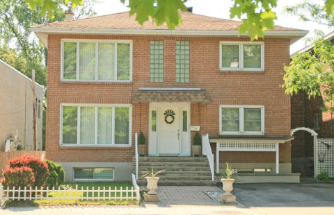 NEW LISTING 208 Beechwood Avenue commercial property